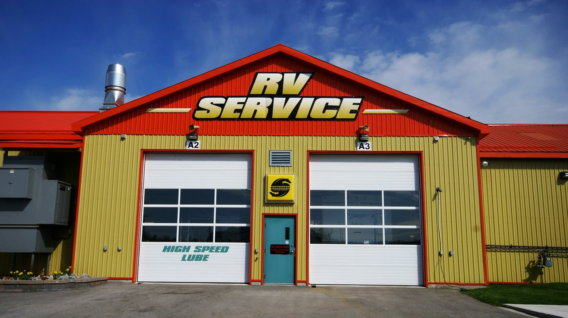 Motorhome Service Center Facility at the North of Barrie, Ontario