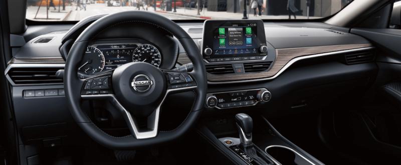 2020-Nissan-Altima-interior