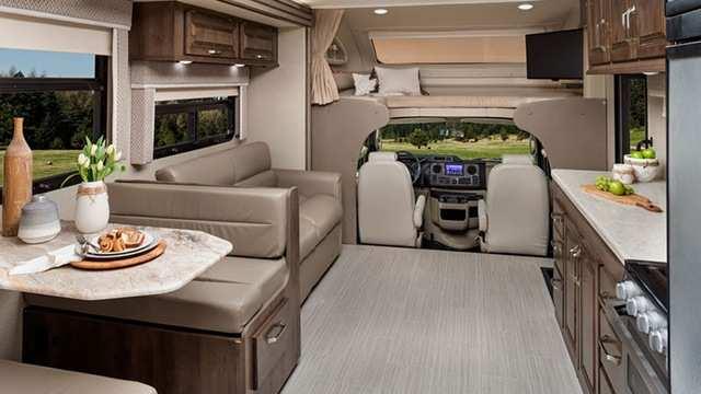Intérieur Classe C VR Esteem d'Entegra Coach