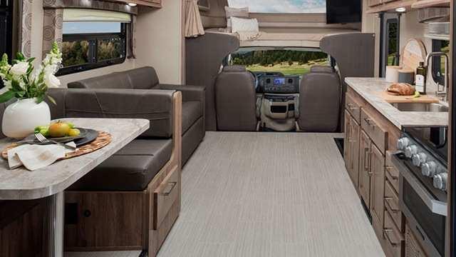 Intérieur Classe C VR Odyssey d'Entegra Coach