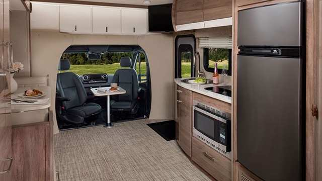Intérieur Classe C VR Qwest d'Entegra Coach