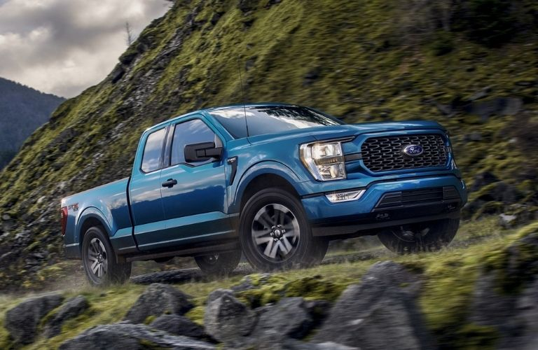2021-Ford-F-150-driving-up-hill_o