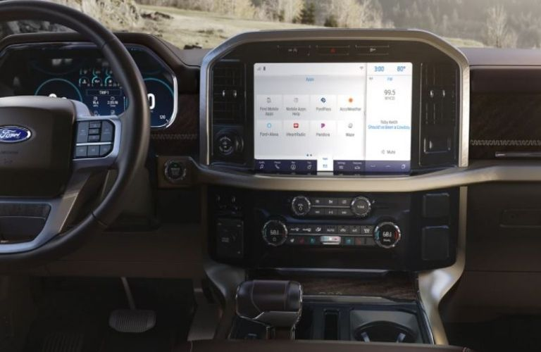 2021-Ford-F-150-touchscreen-interior_o