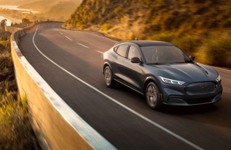 2021-Ford-Mustang-MACH-E-Infinite-Blue-Metallic_o