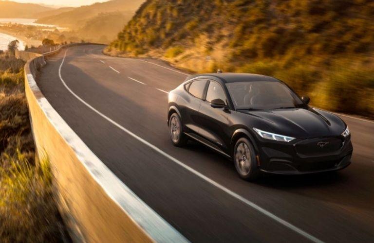 2021-Ford-Mustang-MACH-E-Shadow-Black_o