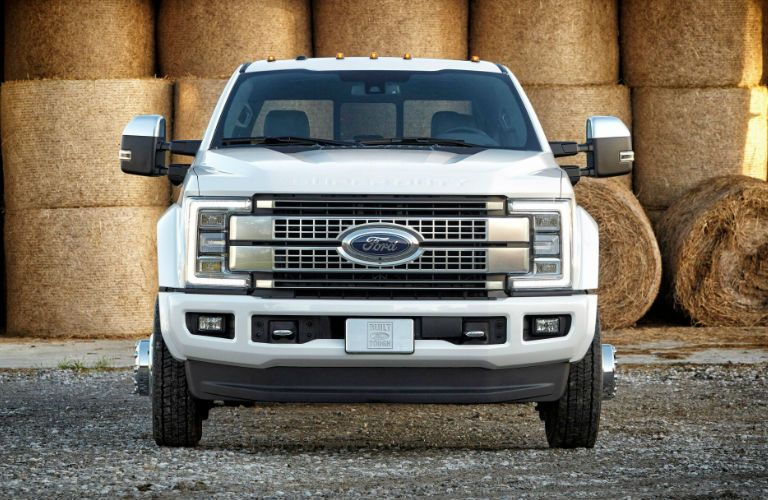 Ford_Super_Duty_Commercial_Pickup_o