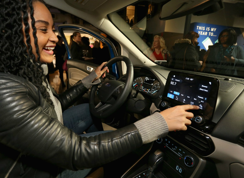 Woman-Using-Touchscreen-in-the-2018-Ford-EcoSport-at-the-Life-Hack-Academy_o